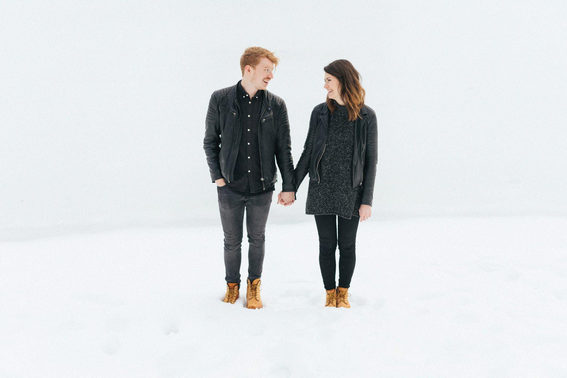 Minimalistische Paarfotos im Harz